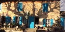 Le Premier - Les Volets Bleus Provence - Salon-de-Provence