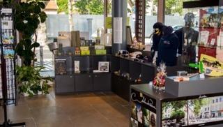 La boutique de l'Office de Tourisme - Point de vente permanent des articles de la PAF - Salon-de-Provence