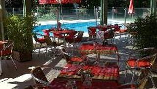 """La table. Hôtel-Restaurant """"Ibis"""" - Salon-de-Provence"""
