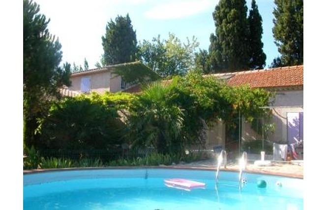 GITES DES BERGERONNETTES - N° 3039 1 - Salon-de-Provence