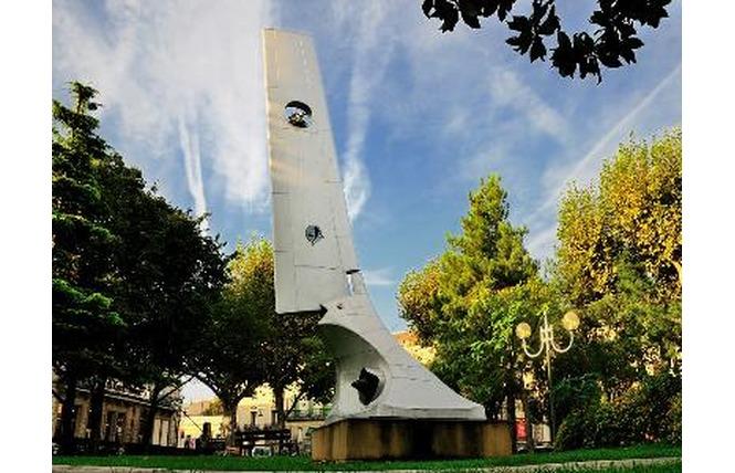 Place du Général de Gaulle et son Jardin d'enfants 4 - Salon-de-Provence