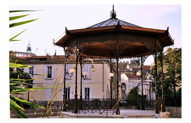 Square place des Martyrs 1 - Salon-de-Provence